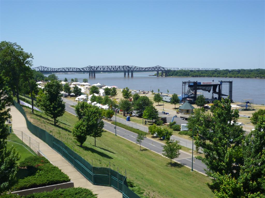 Tom Lee Park being prepped for the Memphis in May – 2012's final ...